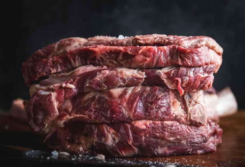 幼兒什麼時候開始吃肉比較好? 吃什麼肉最補鐵