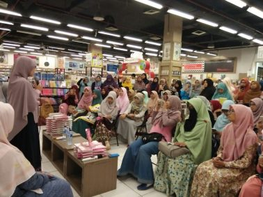 Meet and Greet with the Authors Salihah Mom's Diary-10
