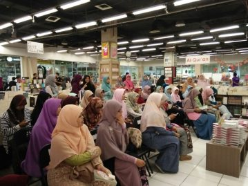 Meet and Greet with the Authors Salihah Mom's Diary-11