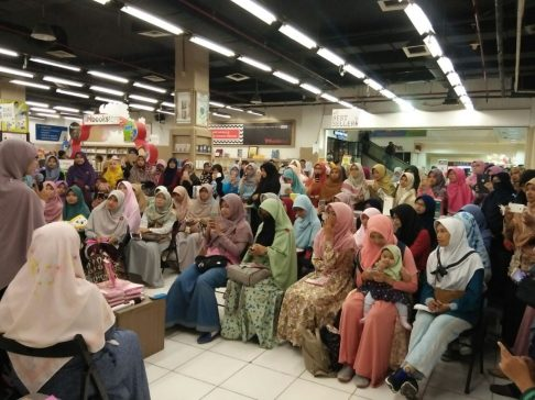 Meet and Greet with the Authors Salihah Mom's Diary-9
