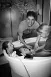 natural birth, water birth