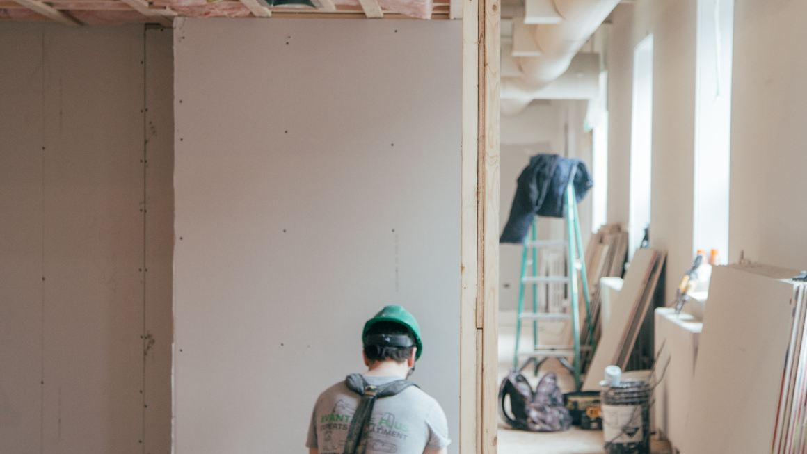 5 Tips for Hiring a Contractor