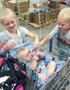 avoiding the hassle while shopping with a baby seat and binxy baby