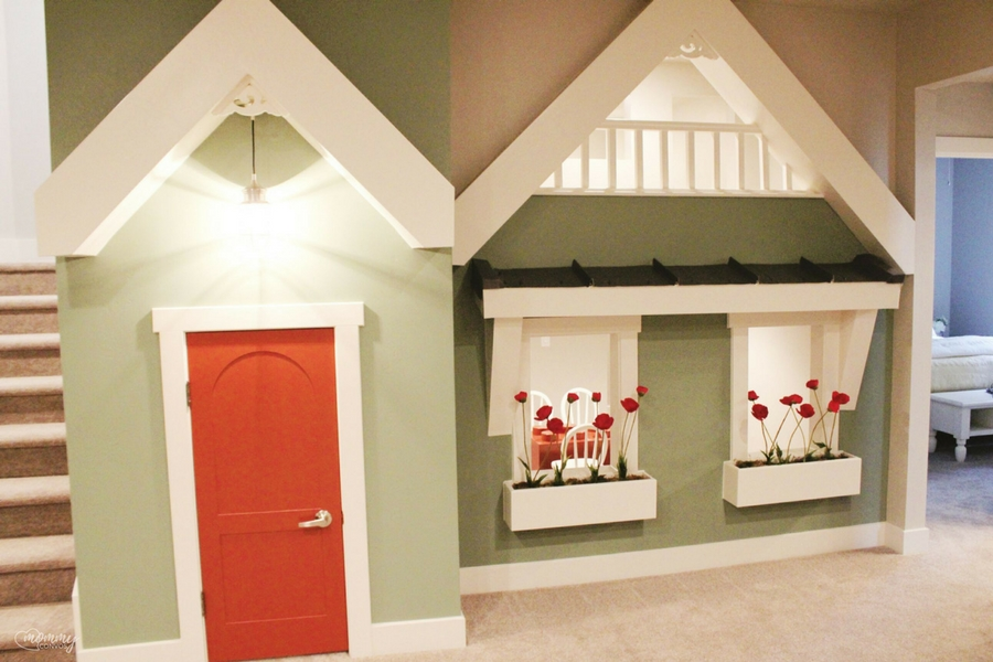 Indoor playhouse. Parade of homes 2017 tour. Young mom's look at the st george parade of homes. 2017 Parade of homes.
