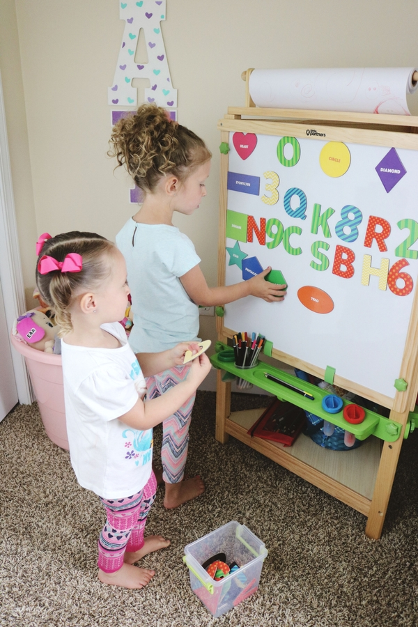 little partners learn and play easel
