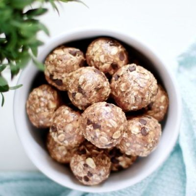 No-Bake Chocolate Cinnamon Protein Bites