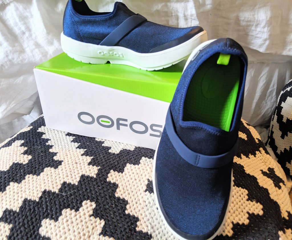 oofos-omggg-shoes