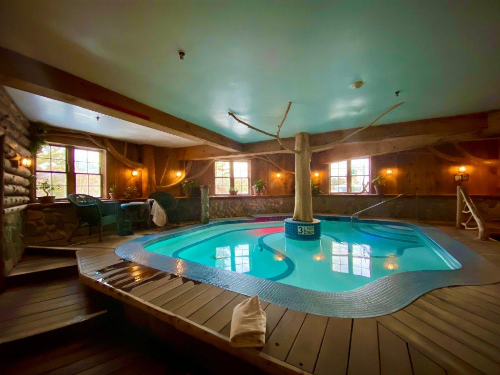 Mirror Lake Inn spa