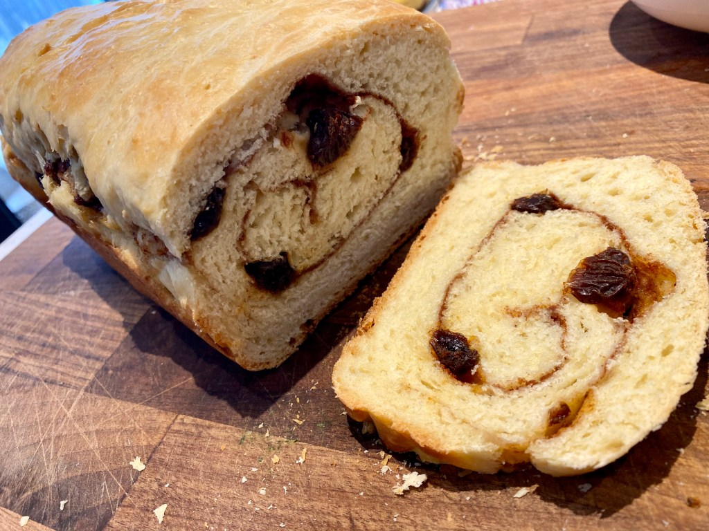 sourdough-discard-raisin-bread