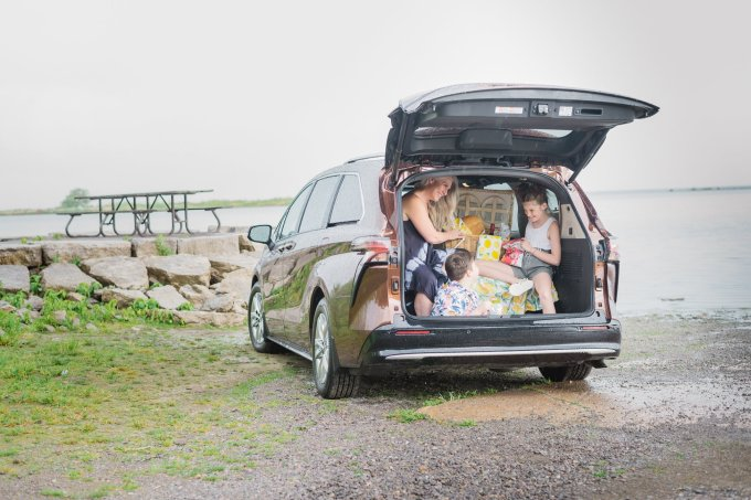 most reliable minivan