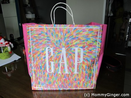 What a colorful shopping bag!