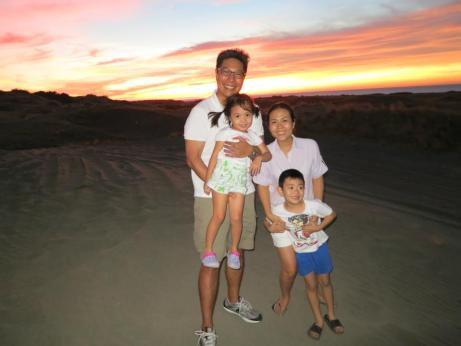 Mompreneur Mariel Medina and family