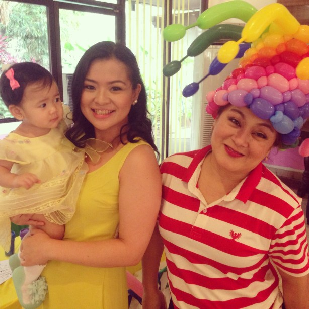 Mommy Ginger and Zeeka with Jiggles, the Baloon Lady