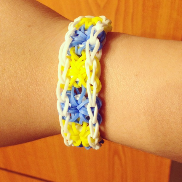 I finally learned how to create loom bands!