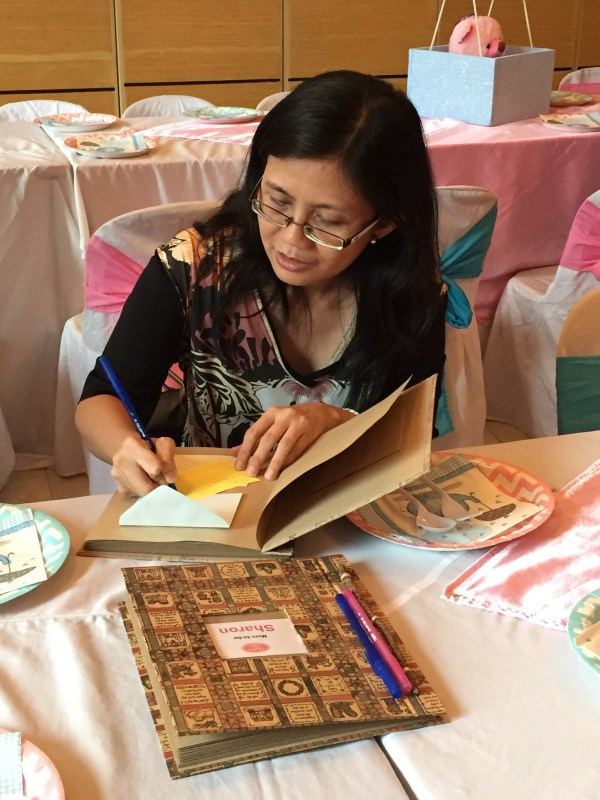 One of the guests writing her #diskartips for Mommy Sharon and Mommy Michelle