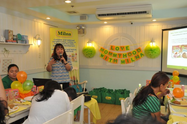 Ms. Lou from Milna Philippines explaining the whole line of products