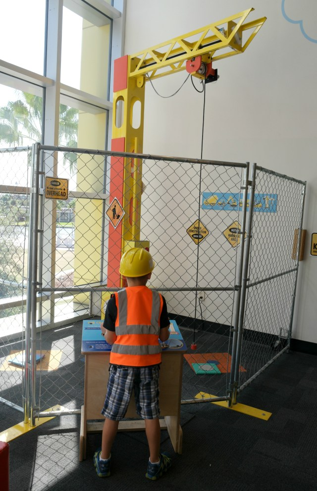 Glazer-childrens-museum-tampa-with-kids-riverwalk-construction