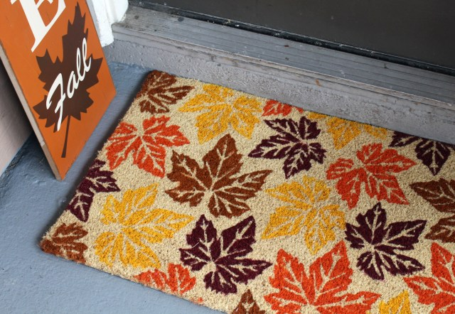 Tips-for-fall-decorating-on-budget-rug