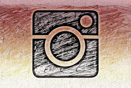 Is Instagram driving you crazy and dragging you into comparisons, changing your lifestyle and also making you jealous? Then you need to limit those feelings #instagram #anxiety #instagramanxiety #depression #lifestyle #mommyblogger #socialmedia #happiness