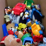 Ren will share some toys to Jollibee Maaga ang Pasko!