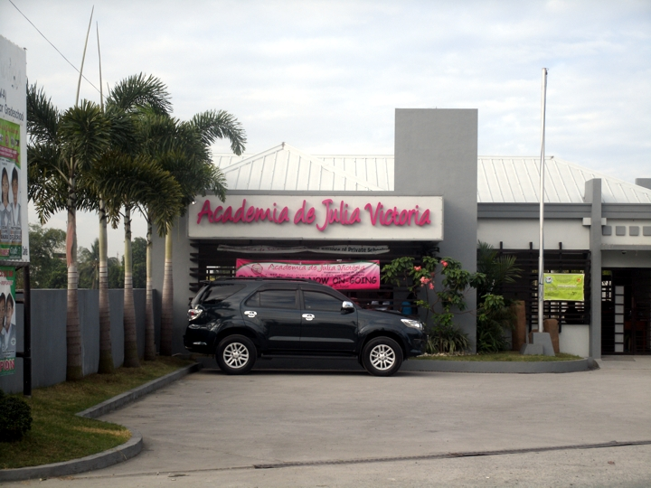 ACADEMIA de JULIA Victoria of Cavite