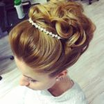 Stunning Wedding Hairstyles For the Brides