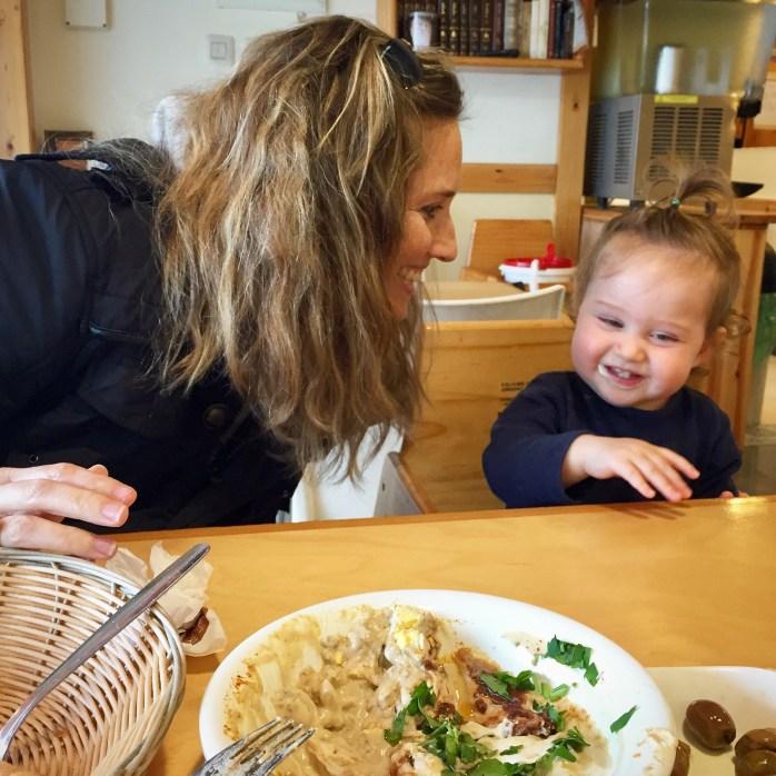 expat mom humus