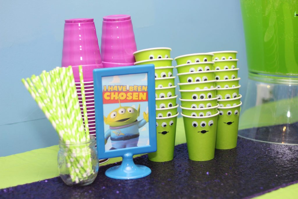 Toy Story Birthday Party Drink Ideas and toy story free printables