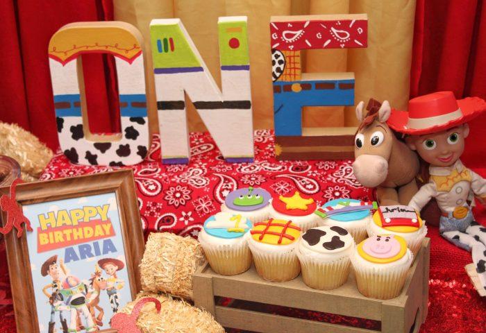 Arias First Birthday Toy Story Birthday Party Ideas Free Printables