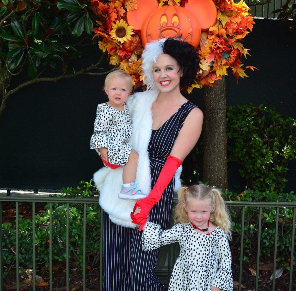 101 Dalmatians Disney Family Halloween Costumes