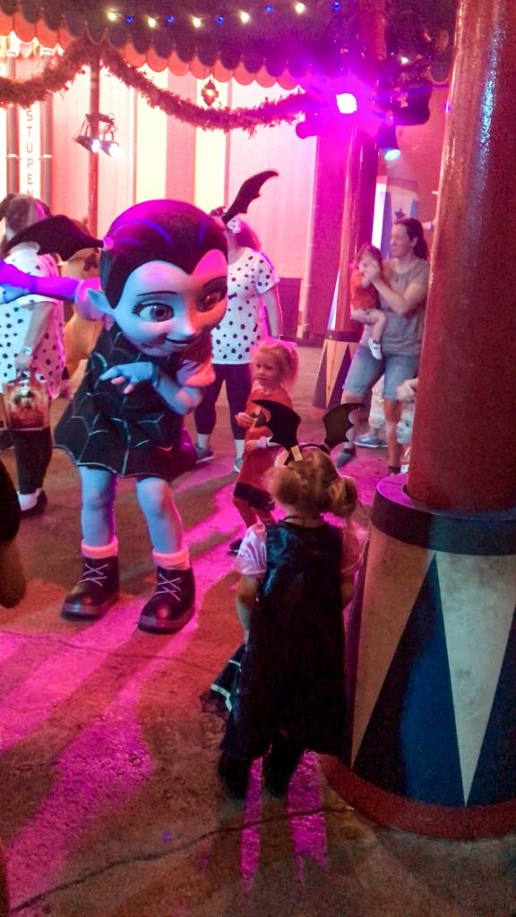 Vampirina at Mickeys Halloween Party