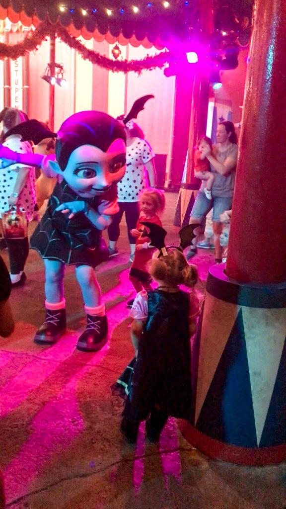 Vampirina at Mickeys Halloween Party