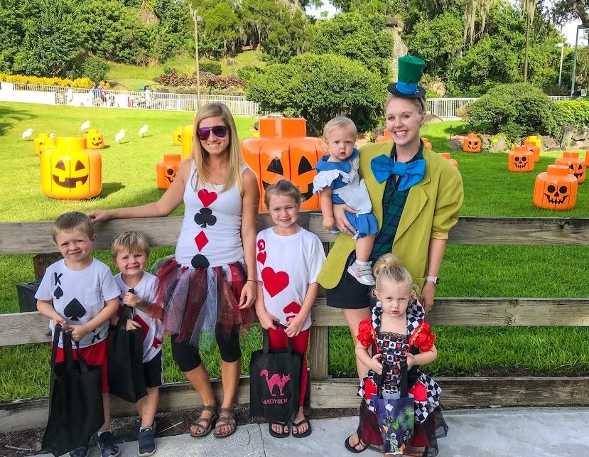Alice in Wonderland Disney Family Halloween Costumes