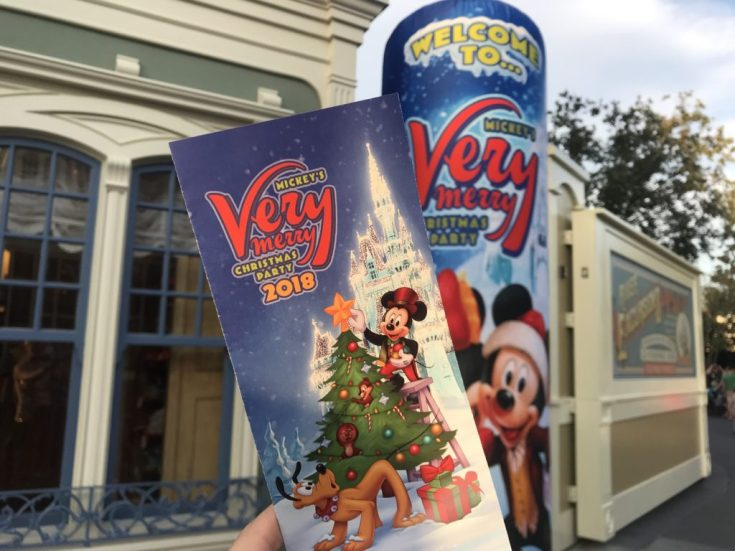 Tips for Mickey's Very Merry Christmas Party #VeryMerry