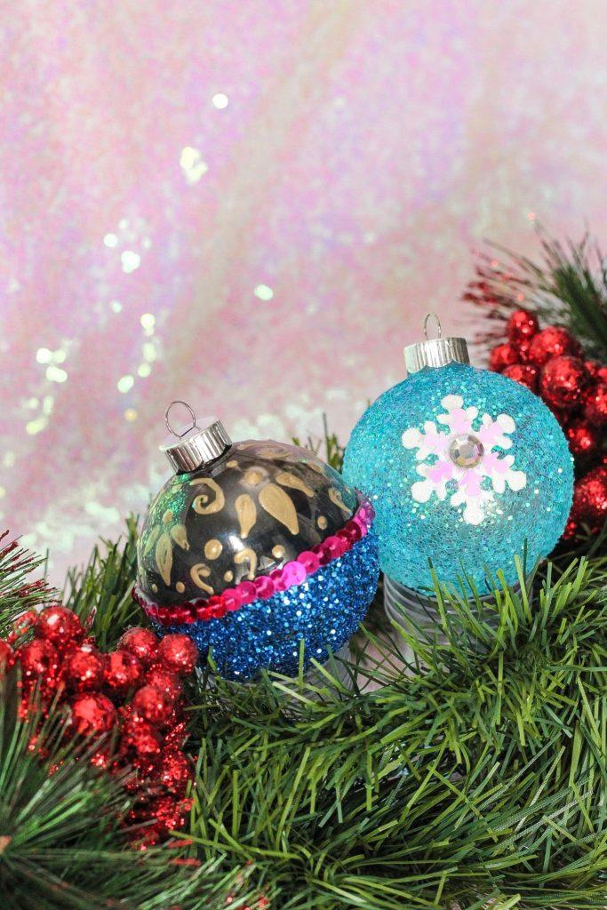 DIY Frozen Anna & Elsa Christmas Ornament