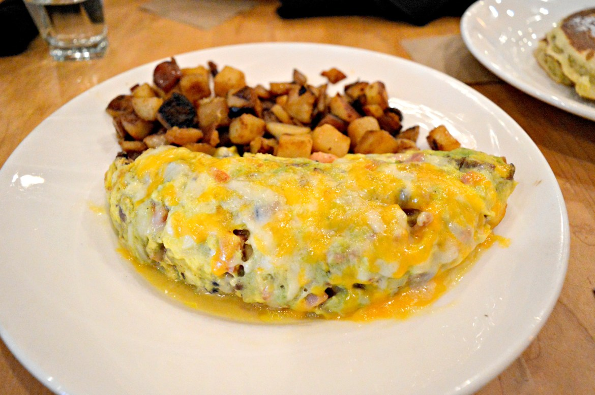 hotel-chicago-hotel reviews- south loop-chicano hotels- downtown chicago- yolk-brunch