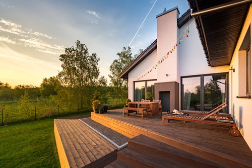 How to Choose the Right Wood Shade Patio Cover for Your Needs?