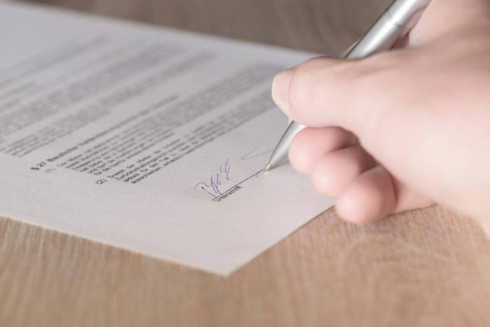 5 Factors to Consider Before Offering a Lease Renewal