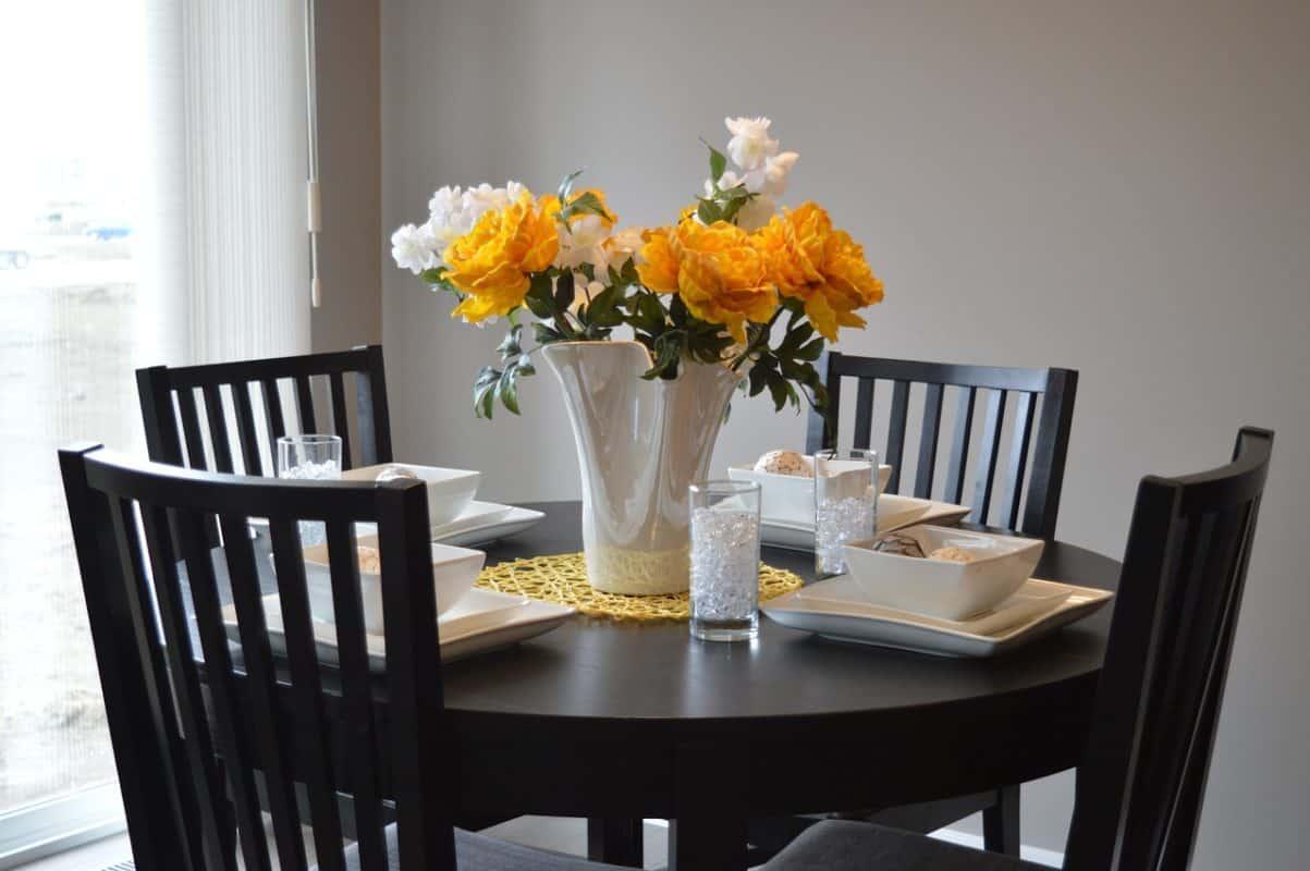 5 Motives to Choosing Dining Tables at Urban Ladder