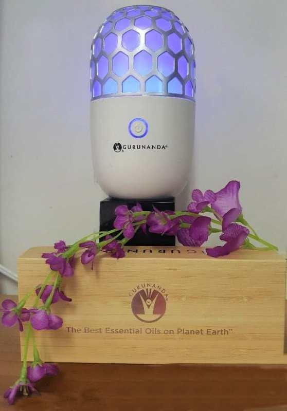 gurunanda honeycomb diffuser with top six gurunanda essential oils