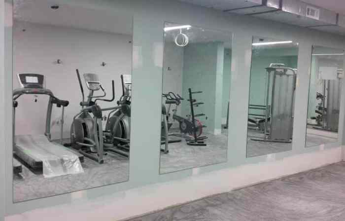 full length mirrors in gym