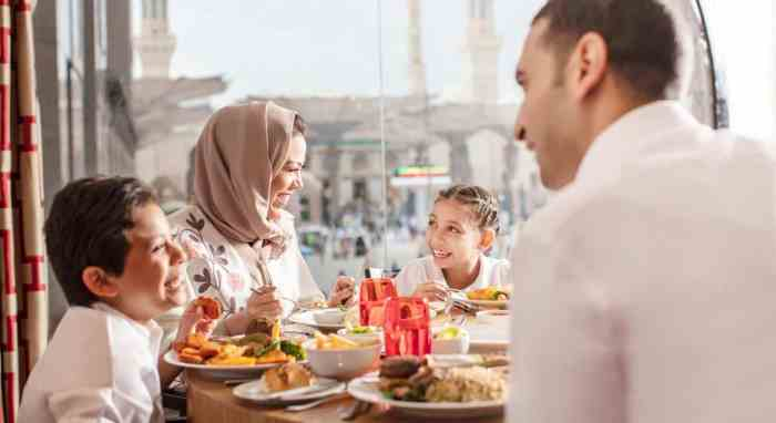 This travel guide will help you traveling with kids Al Madina to enjoy the scenery and historic landmarks.