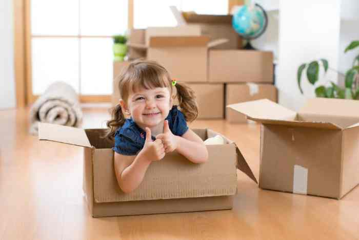 Moving with toddlers is definitely a challenge for most parents but there are ways to make it easier.