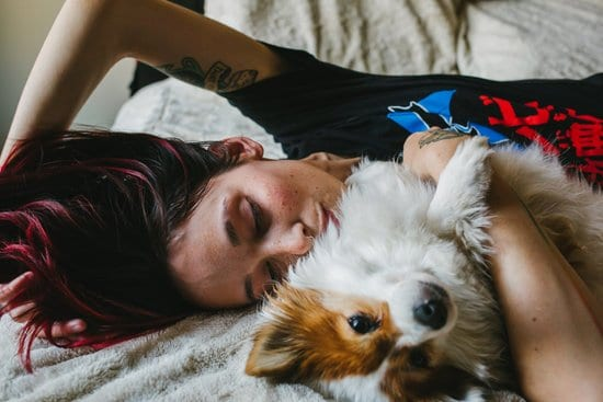 Research shows that people who let their pets sleep in their bedroomsleep better themselves. Here are 6 ways pets help you sleep better.