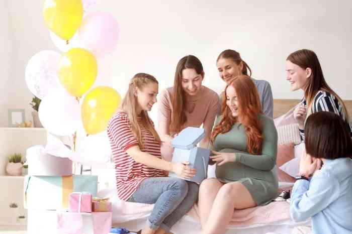 These baby shower party ideas including baby shower invitations, games, gender reveal ideas and more will make guests excited to celebrate the mother-to-be.