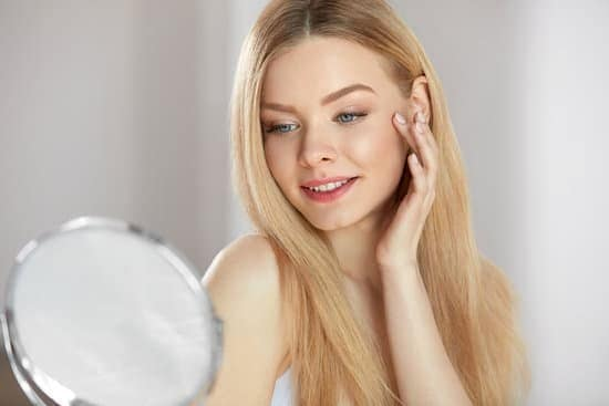 There's no doubt about the fact that the quality of our healthy skin can affect our appearance and life in several ways.