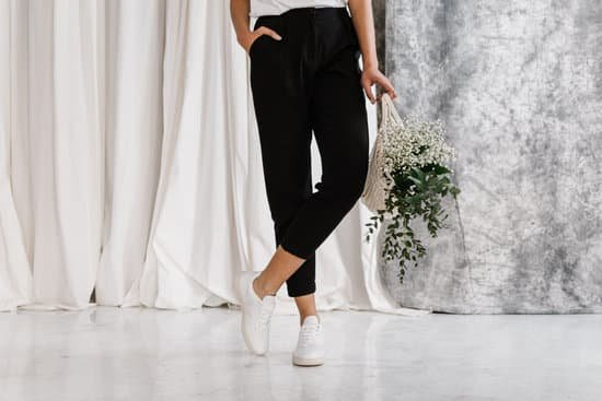 Here are a few ways to style leggings modestly, fashionably and affordably for teens in 2020.