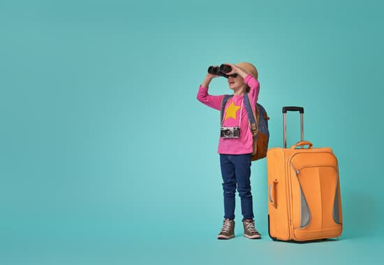 Finding ways to keep your children entertained while you relax can be difficult, and feels nearly impossible. Here are 9 amazing tips to enjoy traveling with kids.
