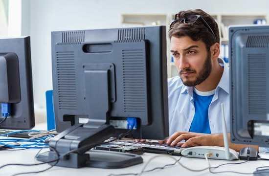 IT staff preparing for the Microsoft 70-764 exam