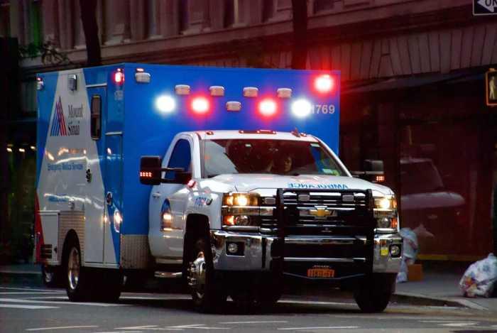 white mount sinai ambulance
